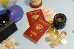 Accesorios y artículos, concepto del ` s del viajero del viaje Imagen de archivo libre de regalías