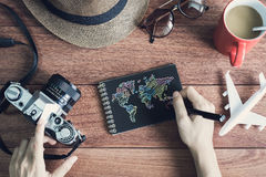 Accesorios y artículos del ` s del viajero con el cuaderno y el SP negros de la copia Fotos de archivo libres de regalías