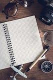 Accesorios y artículos del ` s del viajero con el espacio del cuaderno y de la copia Imagen de archivo libre de regalías