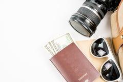 Accesorios y artículos del ` s del viajero en blanco Imagen de archivo libre de regalías