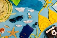 Accesorios y artículos del verano para el travelon Foto de archivo
