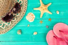 Accesorios y cáscaras del verano Imágenes de archivo libres de regalías