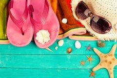 Accesorios y cáscaras del verano Imagen de archivo libre de regalías