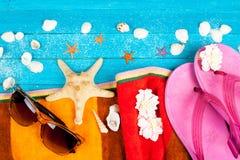 Accesorios y cáscaras del verano Fotografía de archivo libre de regalías
