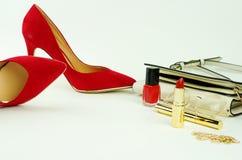 Accesorios y cosméticos elegantes de moda femeninos Fotos de archivo