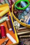 Accesorios y herramientas de costura Fotografía de archivo libre de regalías