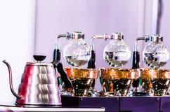 Accesorios y herramientas del fabricante de café del sifón imágenes de archivo libres de regalías