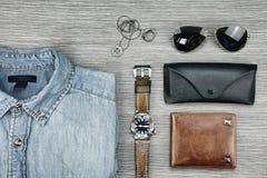 Accesorios y moda de los hombres, sistema de ropa y diversos accesorios Foto de archivo