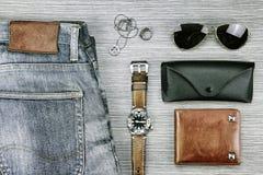 Accesorios y moda de los hombres, sistema de ropa y diversos accesorios Imagenes de archivo