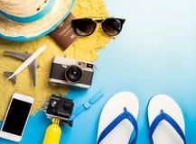 Accesorios y moda del viaje de las vacaciones de la playa del verano Fotografía de archivo