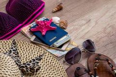 accesorios y objetos de las mujeres por vacaciones Fotografía de archivo