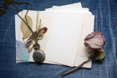 Accesorios y postales viejos Foto de archivo libre de regalías
