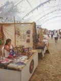 Accesorios y tienda tradicionales del interior de los artes en Cartagena Imágenes de archivo libres de regalías
