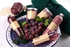 Accesorios y uvas del balneario Fotografía de archivo libre de regalías