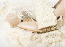 accesorios y zapatos nupciales Foto de archivo
