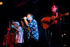 Accesos directos de memoria (banda de rock del estallido) en concierto en el festival de la BOLA Fotos de archivo