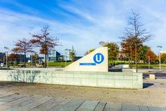Access alla stazione Bundestag di U-Bahn a Berlino Fotografia Stock Libera da Diritti