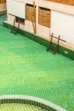 Accesso verde dello stagno della stanza fotografie stock libere da diritti