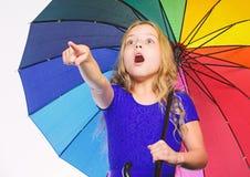 Accessoire lumineux pour l'automne Id?es comment survivez au jour nuageux d'automne Petite fille avec le temps de jour pluvieux d images libres de droits