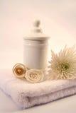 Accessoires blancs de bain Photographie stock