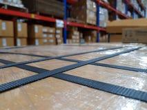 Accessoires d'emballage sur le lieu de travail de l'industrie, courroie de polypropylène images stock