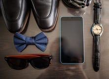 Accessoires d'homme d'affaires Style du ` s d'homme Accessoires du ` s d'hommes : Papillon du ` s d'hommes, chaussures du ` s d'h Images libres de droits