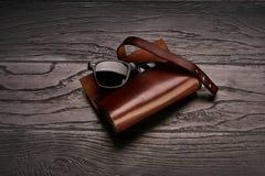 Accessoires de cuir véritable du ` s d'hommes Photos stock