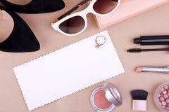 Accessoires de mode des femmes et cosmétiques Image libre de droits