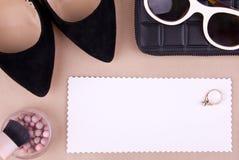 Accessoires de mode des femmes et cosmétiques Images stock