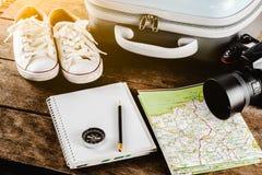 Accessoires de voyage pour le voyage de voyage passeports photo stock