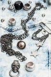 Accessoires et bijoux de couture de crâne Images stock