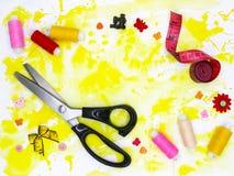 Accessoires et matériaux pour la couture images libres de droits
