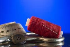 Accessoires et outils de couture pour la mise sur pied Image stock