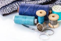 Accessoires et tissu de couture Image libre de droits