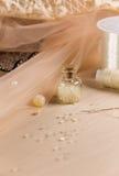 Accessoires pour la fabrication des robes douces Photographie stock