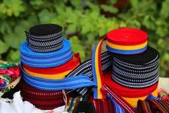 Accessoires pour les costumes folkloriques roumains Photographie stock libre de droits