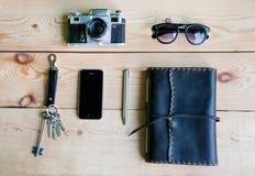 Accessoires quotidiens personnels des personnes urbaines Photographie stock libre de droits