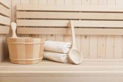 Accessores dos termas e do bem-estar na sauna Foto de Stock