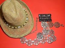 Accessori alla moda della spiaggia di estate Umore di vacanza Fotografie Stock Libere da Diritti