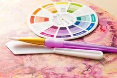 Accessori della ruota e della pittura di colore Fotografia Stock Libera da Diritti