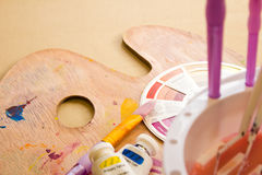 Accessori della ruota e della pittura di colore Immagine Stock Libera da Diritti