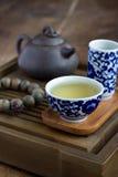 Accessori di cerimonia di tè del cinese tradizionale Fotografia Stock