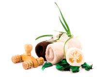 Accessori di massaggio e del bagno su bianco Fotografia Stock