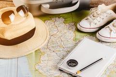 Accessori di viaggio per il viaggio di viaggio passaporti Immagine Stock Libera da Diritti