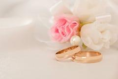 Accessorie di cerimonie nuziali un occhiello Immagine Stock