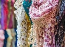 Accessorio, sciarpe femminili Fotografia Stock Libera da Diritti