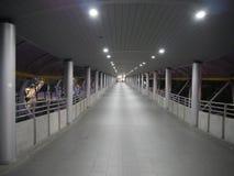 Accessway till stationen för BTS Chong Nonsi i morgonen Arkivbilder