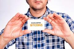 Accettazione di Bitcoins Fotografia Stock
