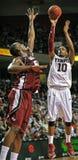 Acción 2011-12 del baloncesto del NCAA Fotografía de archivo libre de regalías