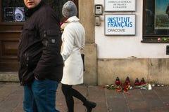Acción cerca Consulado general de Francia en la solidaridad de Kraków para las víctimas de los ataques de Charlie Hebdo en París Foto de archivo